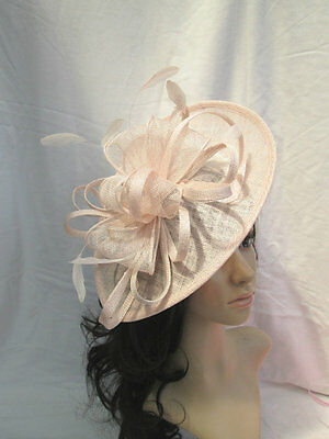 NUDE  SINAMAY & FEATHER FASCINATOR HAT.Shaped saucer disc,Wedding.NEW..pink tone