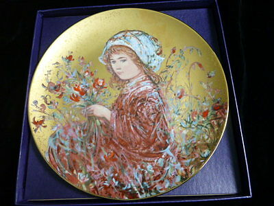 "Edna Hibel Collectors Plate ""Camellia"" - Flower Girl Series 4th Edition"