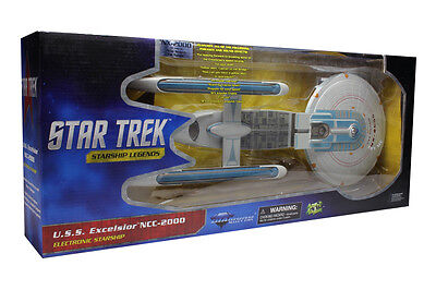 "STAR TREK - 18"" U.S.S. Excelsior NX-2000 Electronic Starship (Diamond Select)"