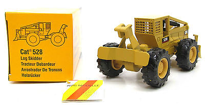 CATERPILLAR 528 LOG SKIDDER - 1:50 Scale NZG