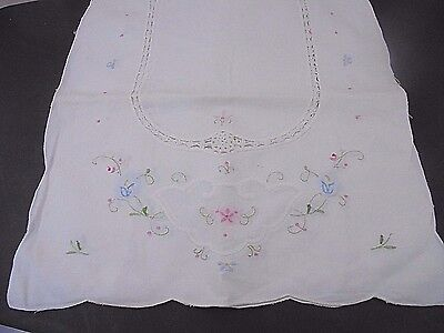 Vintage Shabby Chic Romantic Cottage Table Runner White Floral Embroider Crochet