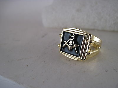 Masons masonic crest ring     size  9   (3jn4  15