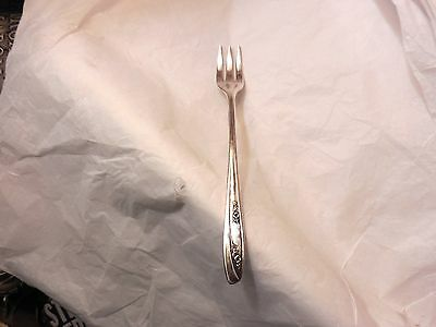 Rogers Lady Fair seafood fork 5 3/8 inches no monogram