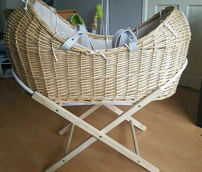 * FOR SALE * Clair de lune noah pod. Moses basket and stand COLLECTION ONLY