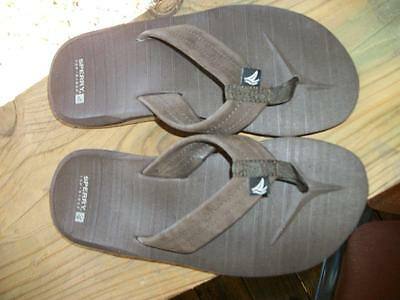 Mens sz. 5 Sperry Topsider brown suede leather flip flops