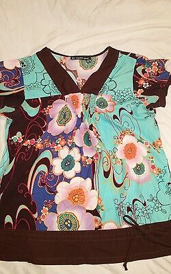 los angeles rose Women's Size Small Scrub Top