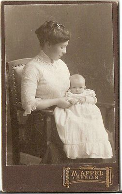 CDV photo Feine Dame mit Baby - Berlin Hamburg um 1910