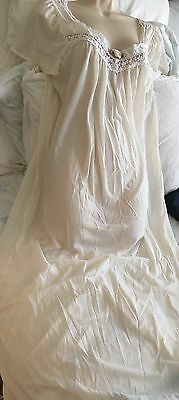 Vintage Lorraine Creamy White Silky Butter-Soft Nylon Long Nightgown M