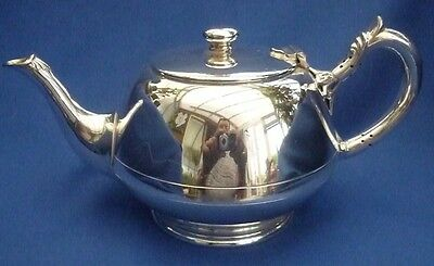 Walker & Hall Of Sheffield Silver Plate Vintage Tea Pot ~ Stunning Piece !