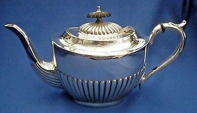 P & Co of SHEFFIELD SILVER PLATE VINTAGE HALF FLUTED TEA POT ~ STUNNING PIECE !