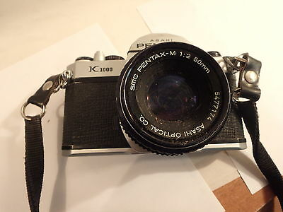 PENTAX K 1000 ASHAI 35mm camera with a SMC pentax -m 1:2 50mm lens