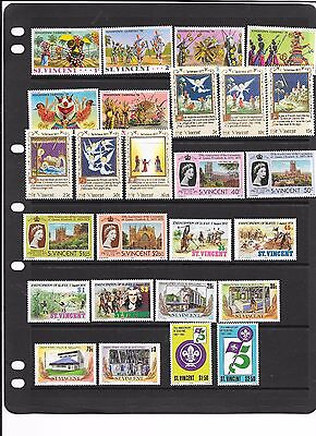 St Vincent QE2 sets MNH
