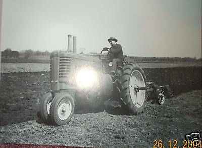 John Deere LATE STYLED Model A tractor Two Cylinder magazine