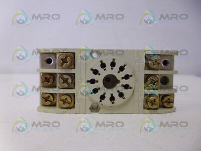 Baumer Electric Zb-66 Relay 10A 220V *used*