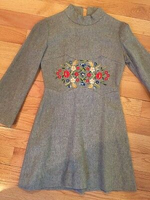 Adorable! Vintage! Girls Grey Wool Embroidered Dress - Small- Cute!