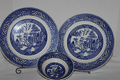 """HOMER LAUGHLIN~Blue Willow~2 10"""" DINNER PLATES and 1 6"""" Small Bowl"""