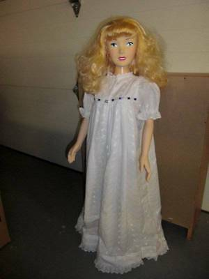 Playmates Toys Inc. ~ Disney 2003 HP/Vinyl Cinderella Doll 36""