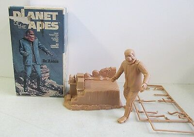 Mib 1973 Addar Planet Of The Apes Dr. Zaius Snap Together Plastic Model Kit