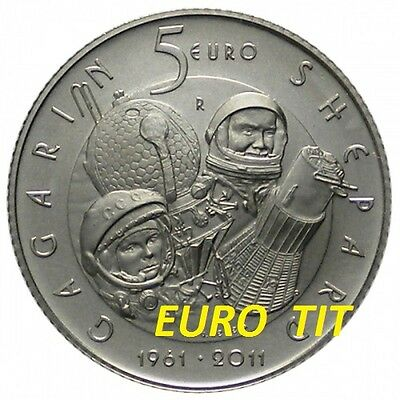 5 €  Saint Marin  Commemorative   2011 .  48 000  Ex     Vol Spatial    Argent