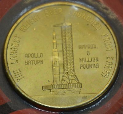 GN476 - Medaille Apollo Saturn - Kennedy Space Center in Original Blister