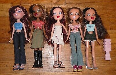 Lot 5 BRATZ DOLLS Clothes DRESSED & Hair Combed Clothes shoes MGA Entertainment