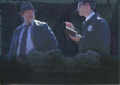 Gotham Season 1 Foil Parallel Base Card #19 A Wolf, a Cabbage, and a Goat