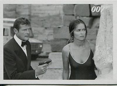 James Bond Archives 2015 The Spy Who Loved Me Throwback Chase Card #28