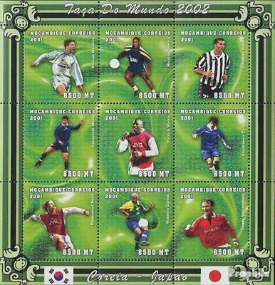 Mozambique 1838-1846 Sheetlet unmounted mint / never hinged 2001 Football-WM 200
