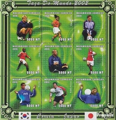 Mozambique 1805-1813 Sheetlet unmounted mint / never hinged 2001 Football-WM 200