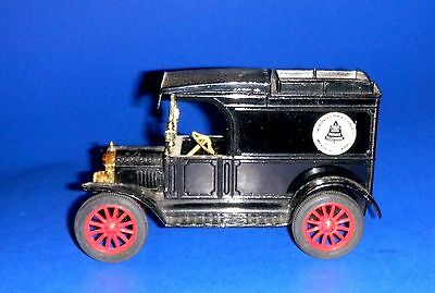 ERTL AT&T Long Distance Bell System 1913 Replica Ford Model T Van Diecast Bank