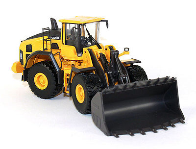 Volvo L180H  WHEEL LOADER / Quality 1:50 Scale By MotorArt  MA300052