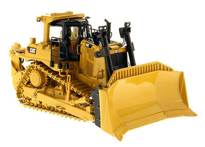 CATERPILLAR D9T DOZER WITH RIPPER   1:50 Scale  #85944