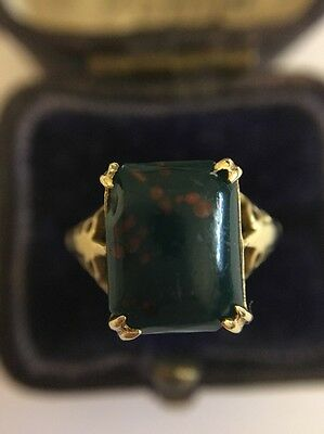 Vintage Antique Yellow Gold Bloodstone Signet Style Ring