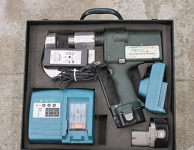 Greenlee Gator ESP710 Battery Powered Stud Punch NEW Batteries, Charger & Case