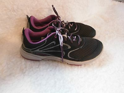 Womens Merrell, Light Weight Walking, Running, Athletic shoes, Size 7.5