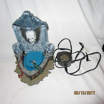 AS IS Lemax Spooky Town Collection Haunted Fountain Skull Head Halloween DAMAGED