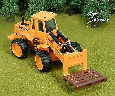 DieCast Pallet Loader Construction Vehicle G Scale 1:32 by Welly