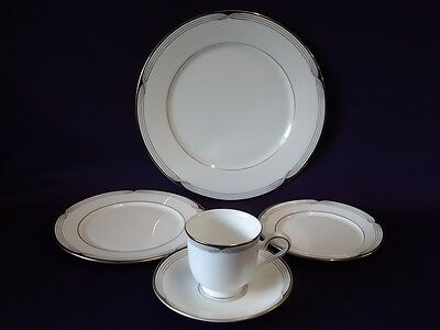 LENOX CHINA ERICA DEBUT COLLECTION 5pc PLACE SETTING - EXCELLENT