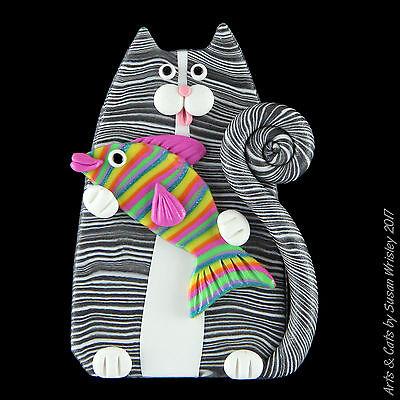 Gray Tabby Kitty Cat & Colorful Striped Fish Pin - SWris