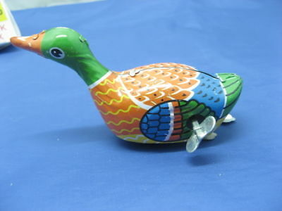 10 Tin Wind up Duck Crazy Metal Toy toy-m37
