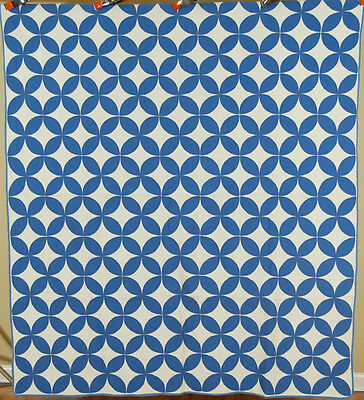 DAZZLING Vintage 30's Blue & White Orange Peel Applique Antique Quilt!