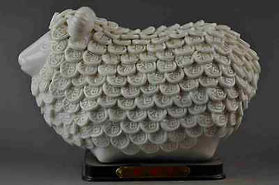 China Rare Old Handwork White Porcelain Carve Good Lucky Sheep Rare Noble Statue