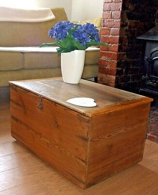 VINTAGE PINE BOX WITH OAK LID Old Waxed Pine & Oak Chest COFFEE TABLE STORAGE