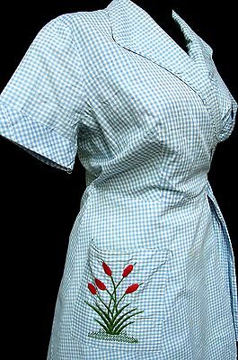 TINA LEE 1950s Vintage BLUE & WHITE GINGHAM CHECK EMBROIDERED POCKET WRAP DRESS