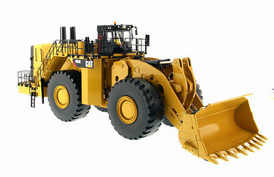 CATERPILLAR 994K WHEEL LOADER with ROCK BUCKET- 1:50 Scale By Diecast Masters