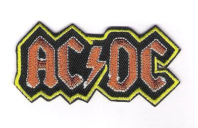 small patch embroidered / petit écusson thermocollant AC DC