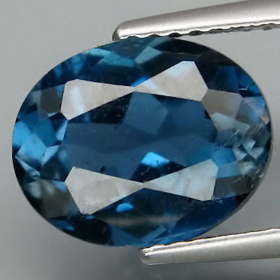 4.02 ct  Feiner ovaler 11 x 8.7 mm Brasilien London Blue Topas