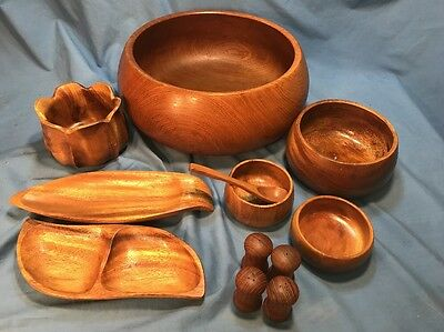 PRE OWNED MONKEY POD WOODEN SET OF BOWLS AND TRAYS (12) Pcs
