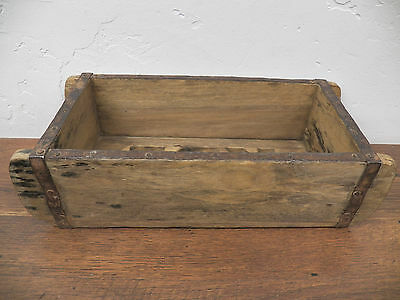 Old Antique Refurbished Wood Wooden Brick Mold Box 9.5 in x 4.5 in Lot 14