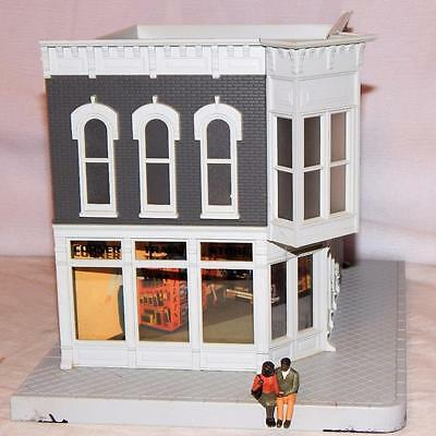 MTH 30-9085 Corner Trains Store Building Lighted Two Store Model Hobby Shop O